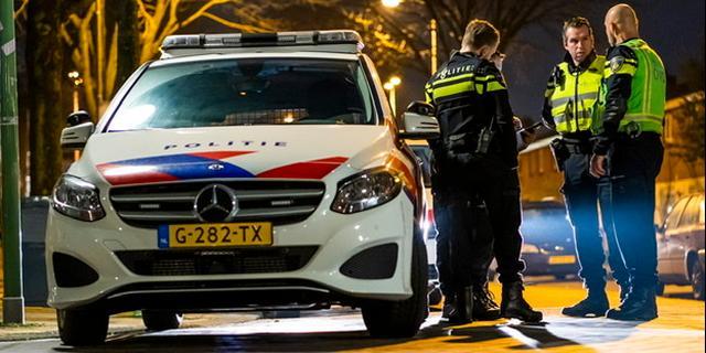 Politie plukt man uit afvalcontainer bij inbraak bedrijventerrein Roosendaal
