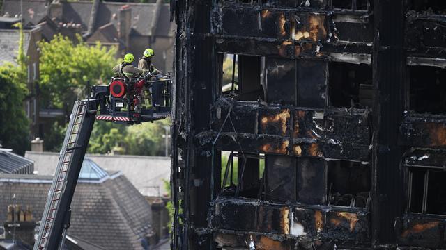 Politie gaat uit van 79 doden na brand in woontoren Londen