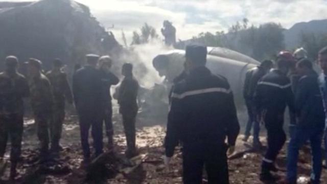 257 doden na neerstorten militair vliegtuig in Algerije