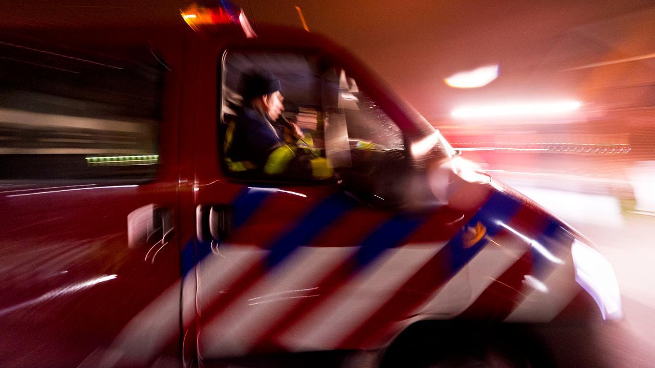 Brand verwoest loodsen in IJsselmuiden