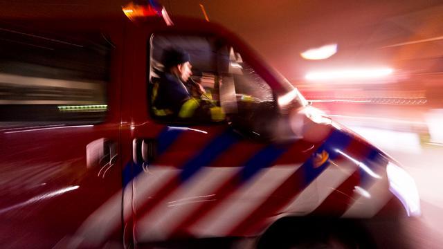 Brand verwoest twee loodsen in IJsselmuiden