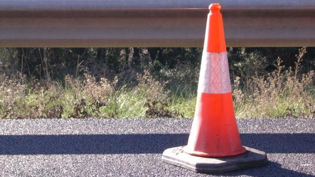 Volkerakbrug op A29 tijdelijk dicht wegens kapotgereden slagboom