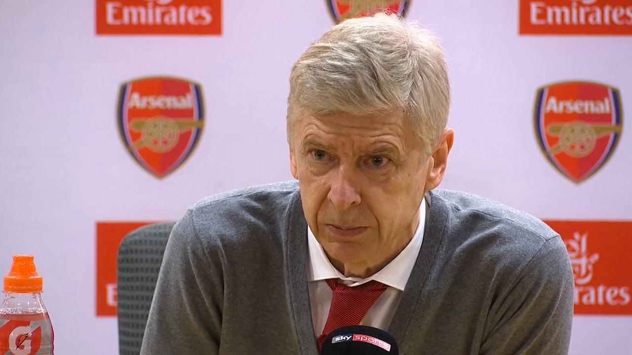 Wenger opnieuw kritisch over arbitrage