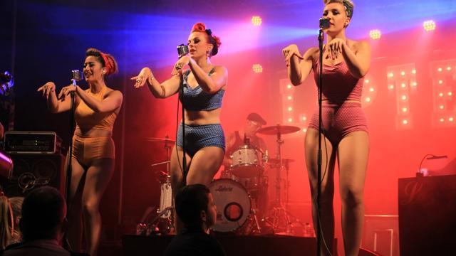 Optreden Liptease brengt veel publiek op de been