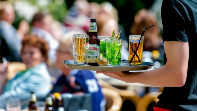 Overzicht: Deze cafés in centrum Leiden blijven maandag langer open