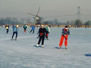 'Op voorspellingen kan je niet schaatsen, zeggen we in Friesland'