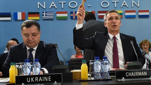 NAVO zegt dat Rusland doorgaat met bevoorraden separatisten Oost-Oekraïne