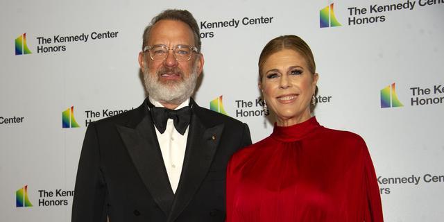 Tom Hanks en Rita Wilson ontslagen uit het ziekenhuis