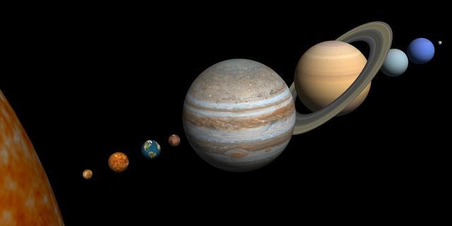 Jupiter en Saturnus staan deze maand bijna tegen elkaar aan