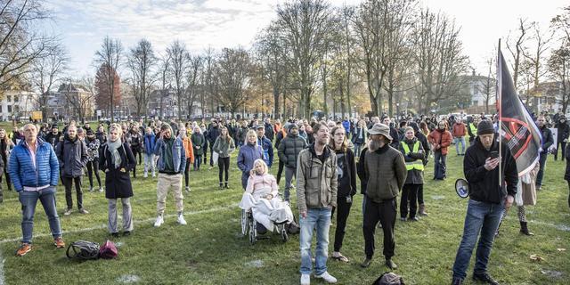 Generation Freedom demonstreert in Utrechts Park Lepelenburg