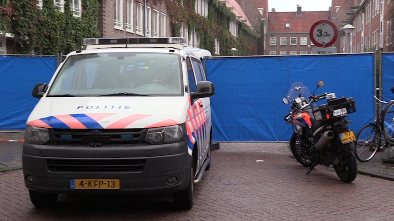 Politie doet onderzoek na schietincident in woning Amsterdam