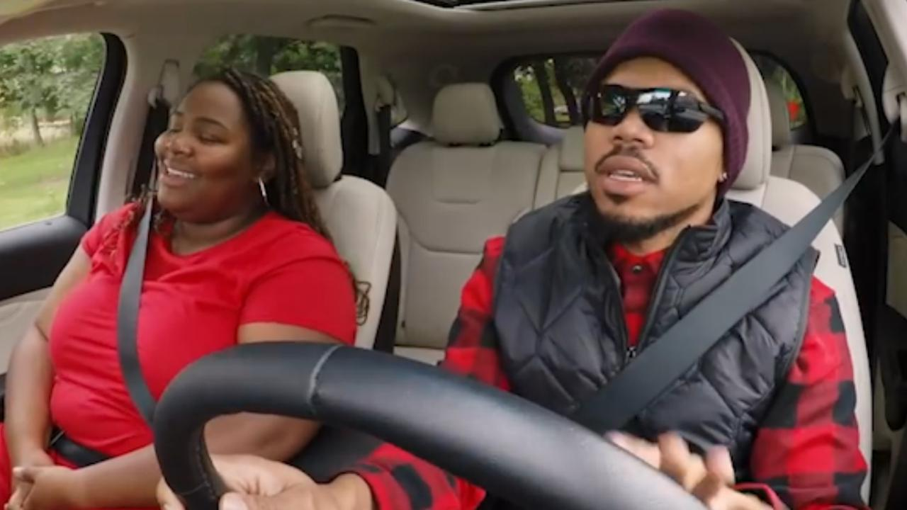 Fans herkennen vermomde Chance the Rapper niet in taxichauffeur