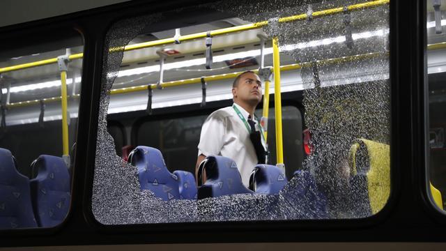 Bus met twaalf journalisten aangevallen in Rio de Janeiro