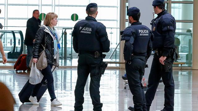 Vrouw met 180.000 euro in schoenen betrapt op Spaanse vliegveld