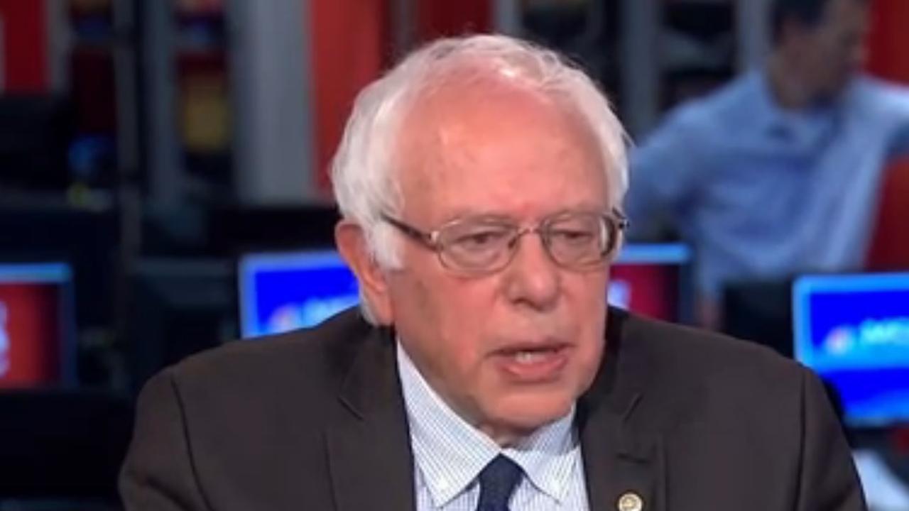 Bernie Sanders stemt bij verkiezingen op Clinton