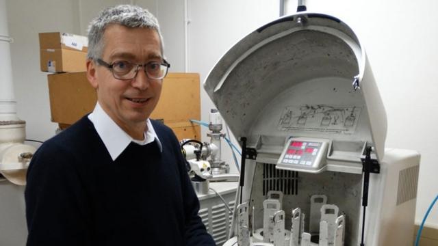 Delftse hoogleraar krijgt prijs van 250.000 euro voor magneetkoelkast
