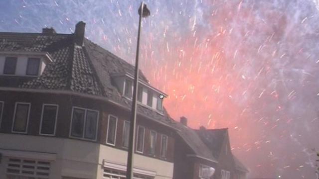 Twintig jaar na de vuurwerkramp in Enschede: 'Iedereen begon te rennen'
