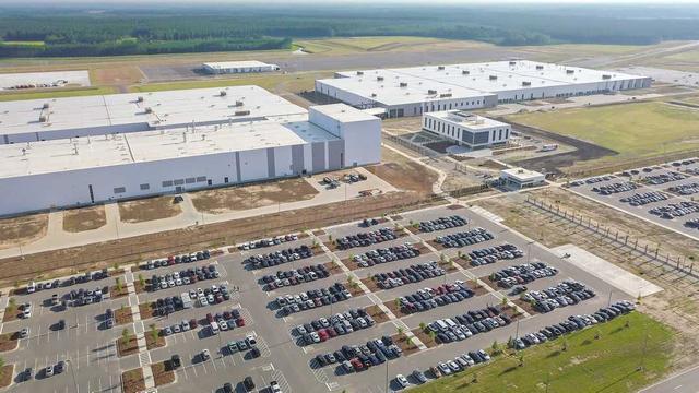 Volvo legt pas geopende Amerikaanse fabriek stil vanwege orkaandreiging