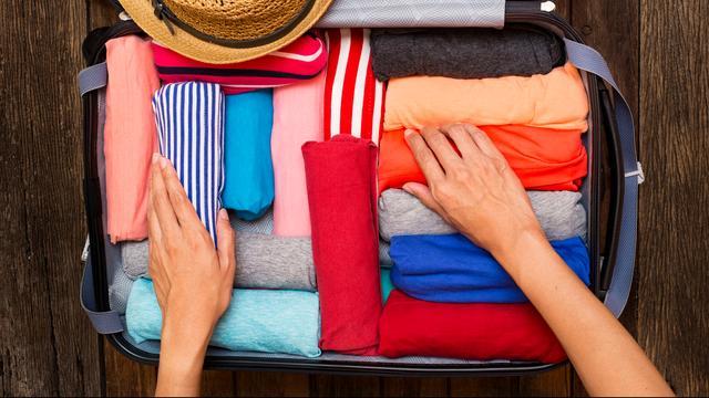 Tips voor koffer inpakken: 'Zeven kledingstukken is de max'