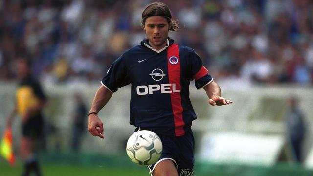 Mauricio Pochettino in 2001 als kapitein van Paris Saint-Germain.