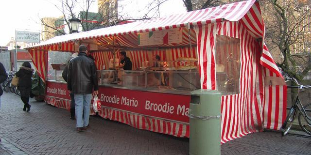 Utrechts bekende Broodje Mario heeft nu Wikipedia-pagina