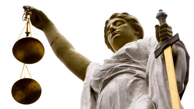 Cel en beroepsverboden geëist tegen vier verdachten pgb-fraude