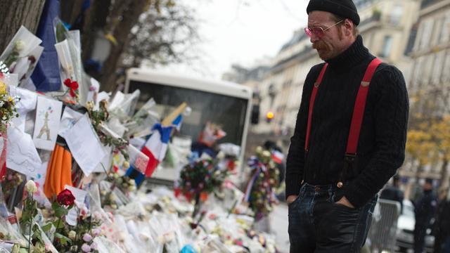 Zanger Eagles of Death Metal was bang podium op te gaan na Parijs
