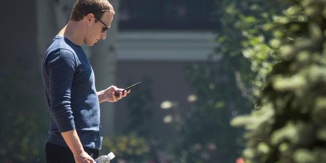 Facebook-werknemers spreken Zuckerberg aan op politiek advertentiebeleid