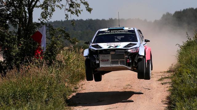 Abbring verrassend tweede na eerste dag Rally van Corsica