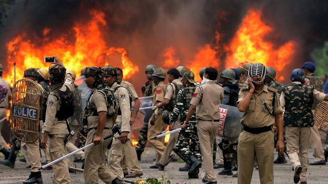 Doden bij protesten India vanwege veroordeling goeroe