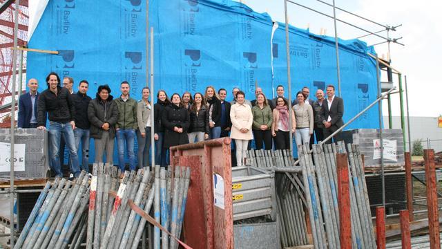 Luyten Adviesgroep legt eerste steen bedrijfspand in Etten-Leur