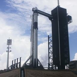Eerste commerciële astronautenlancering SpaceX uitgesteld wegens slecht weer
