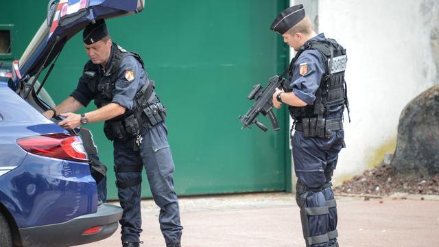 Dit is wat we tot nu toe weten over de gijzeling in Noord-Frankrijk
