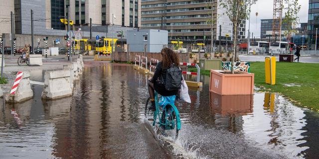 Fietspad bij Jaarbeursplein kan regenwater niet kwijt