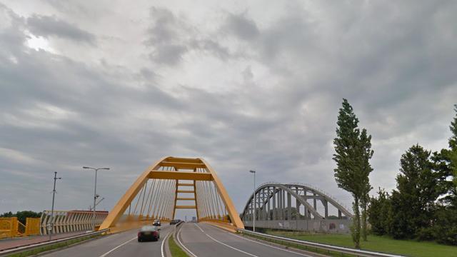 Nieuwe brug over Amsterdam-Rijnkanaal voor spooruitbreiding