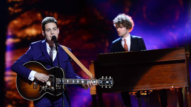 Douwe Bob door naar finale Eurovisie Songfestival