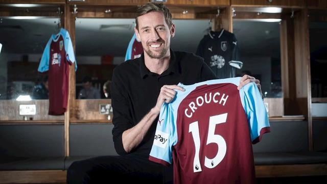 Premier League-rentree Crouch (38), Leicester ruilt Silva voor Tielemans