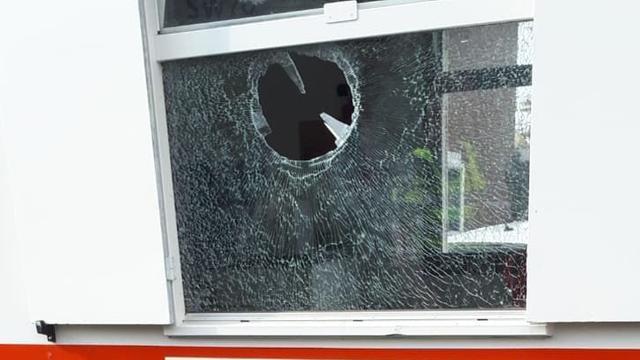 Politie arresteert jongen (16) om ingooien raam bouwkeet Vleuten