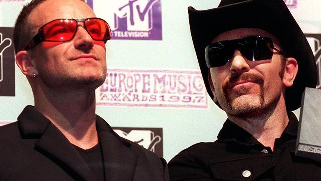U2-fans al vroeg in de rij bij Amsterdam Arena