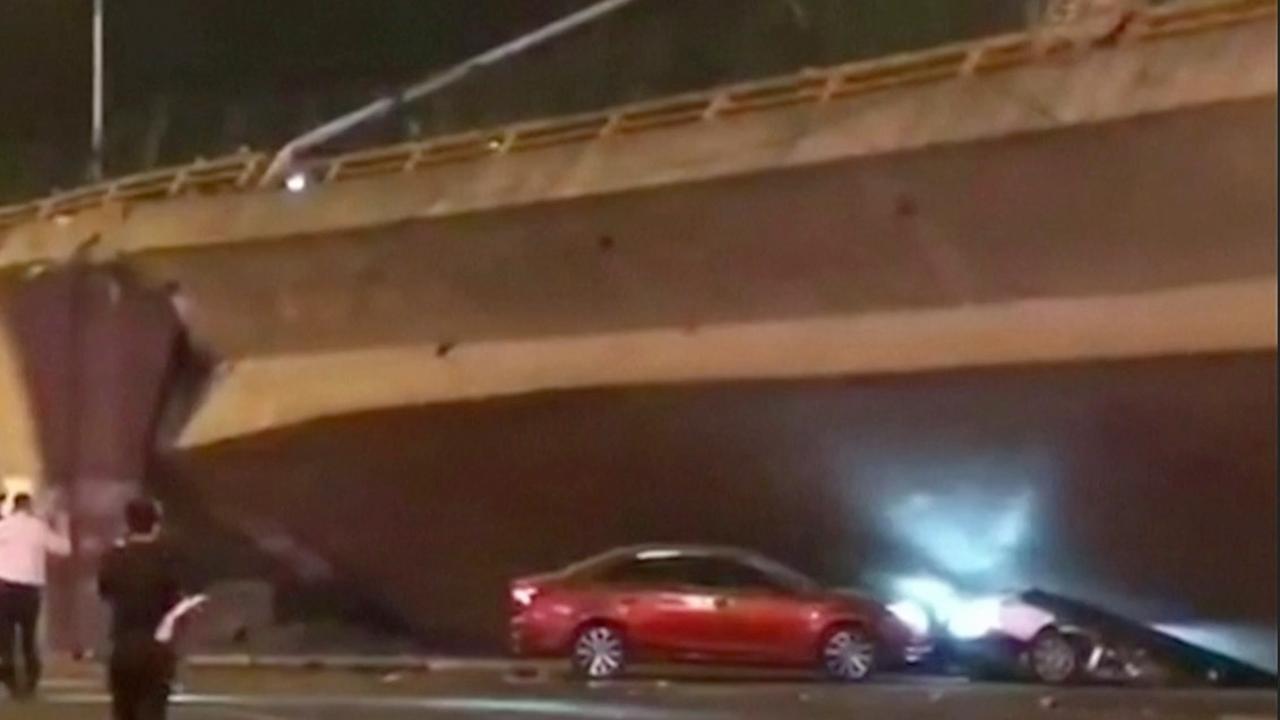 Chinees ontsnapt ternauwernood aan instortende brug