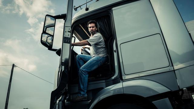 Hazeldonk krijgt beveiligde parkeerplaats voor vrachtwagens