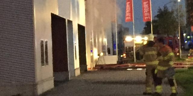 Grote brand in bandencentrum in Gelderse plaats Heteren