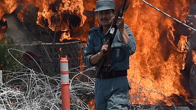Autobom ontploft bij vliegveld Kabul