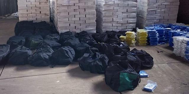 Elf arrestaties in onderzoek naar invoer cocaïne via Rotterdam en Antwerpen