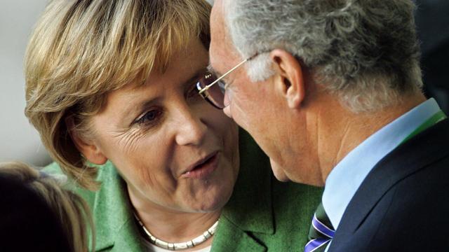 Bondskanselier Merkel wil transparantie van DFB over WK 2006