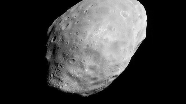 Mars verscheurt maan Phobos