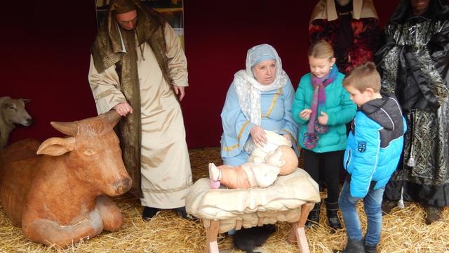 Levende kerststal op kinderboerderij Minnebeek