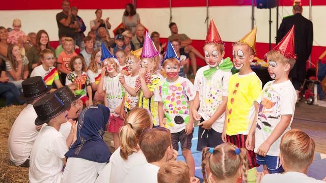 Basisschool De Tunnel in Schore sluit met circus