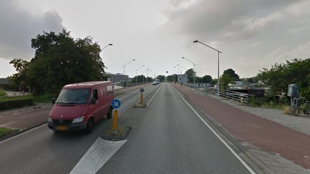 Brug Klaprozenweg weer geopend voor voetgangers en fietsers