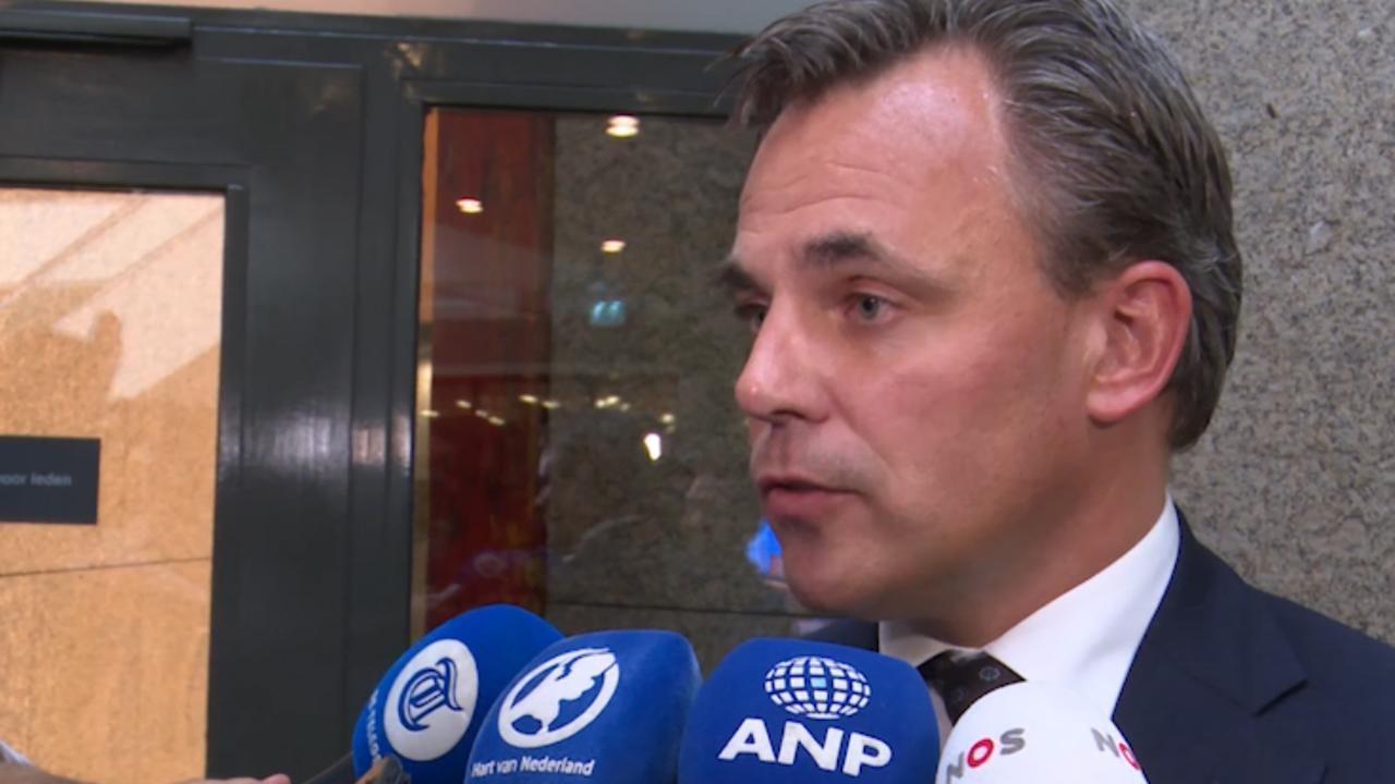 Harbers: 'Commissie gaat langdurig verblijf asielzoekers onderzoeken'